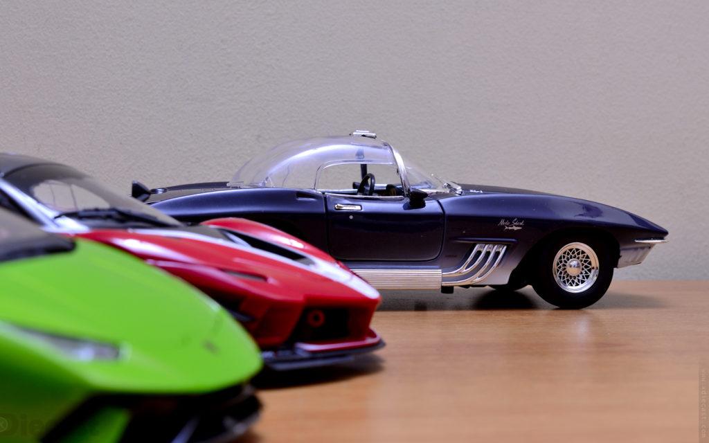Motormax - 1961 Chevrolet Corvette Mako Shark