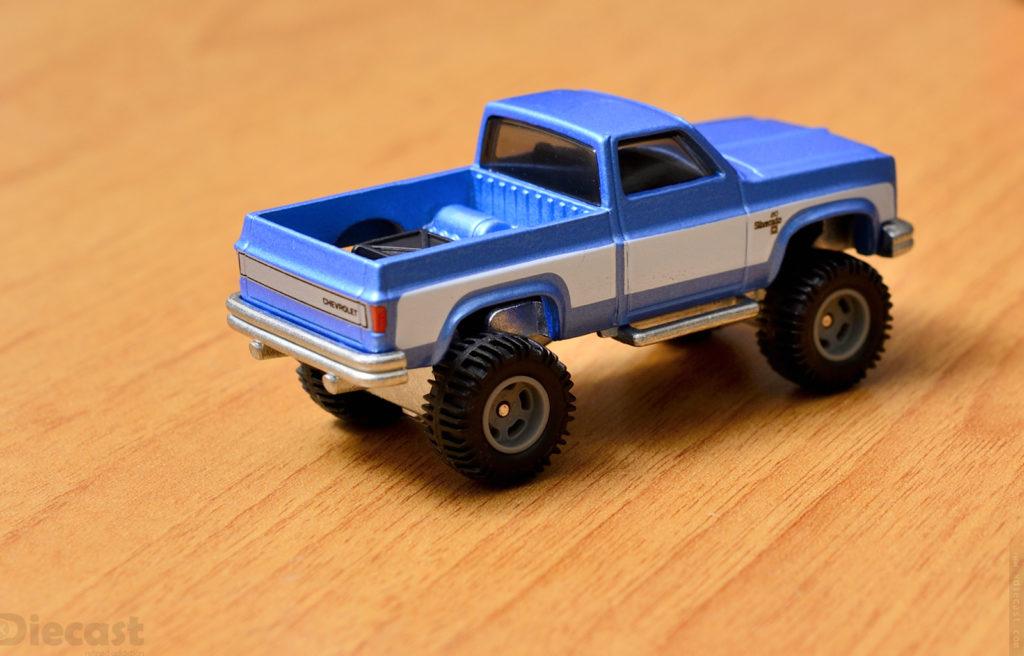 Chevy Silverado 4x4 - Hotwheels