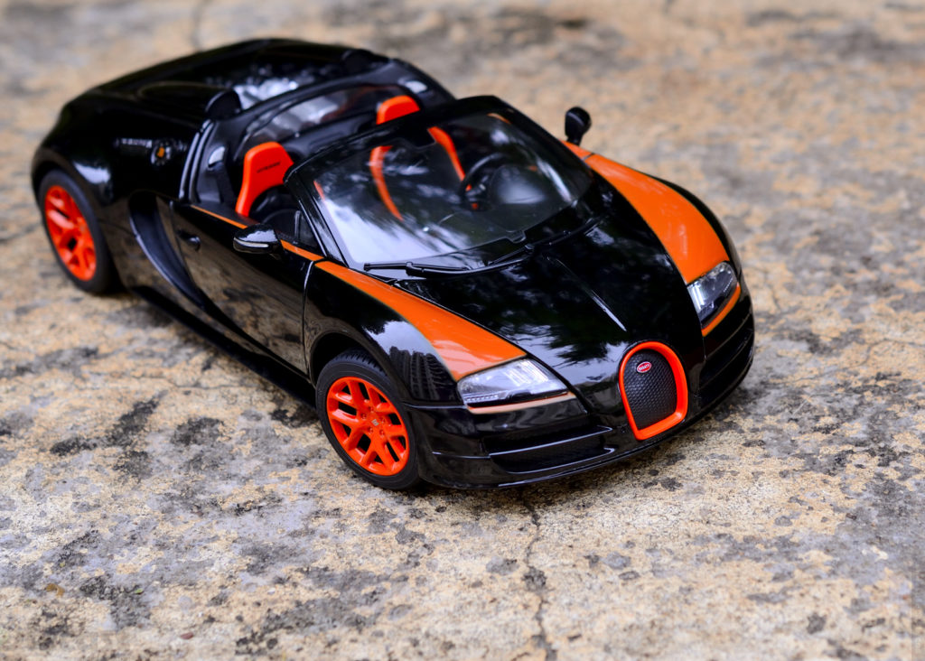 Rastar Bugatti Veyron Grand Sport Vitesse - Elevated View