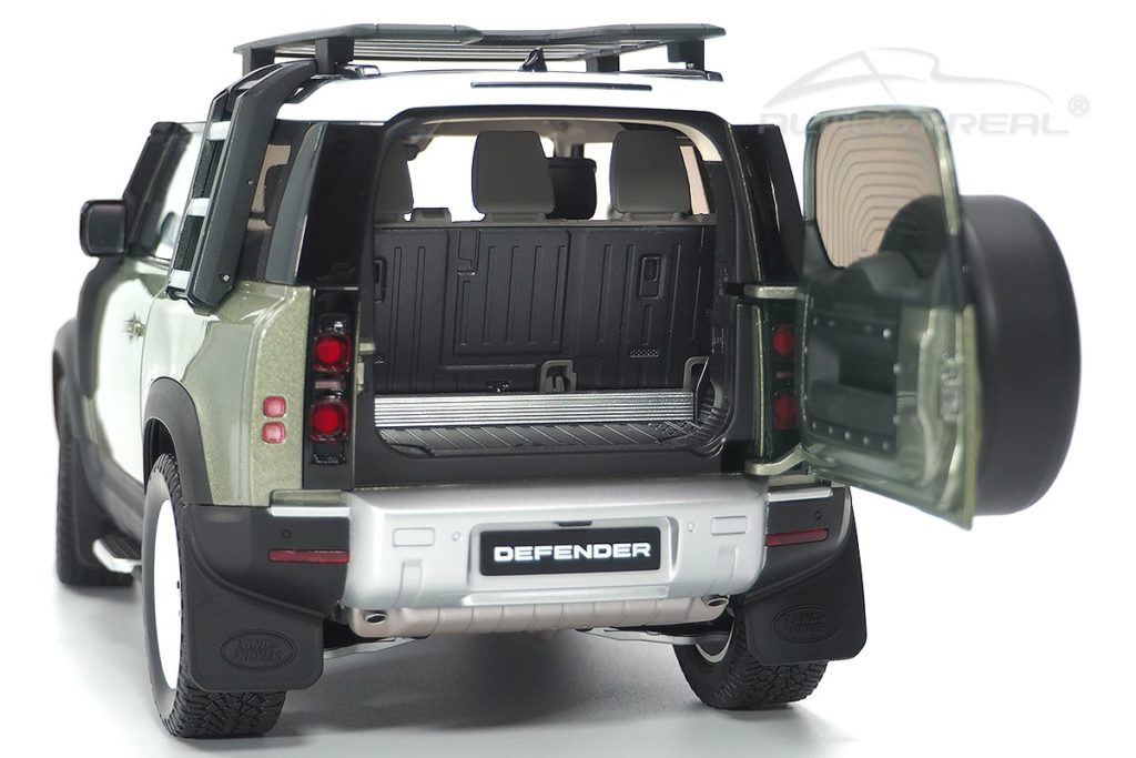 Almost Real Land Rover Defender 90 - Rear View