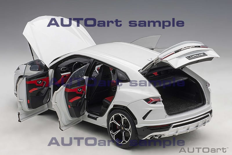AUTOart Lamborghini Urus - Features