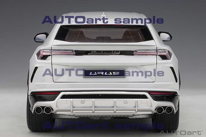 AUTOart Lamborghini Urus - Rear