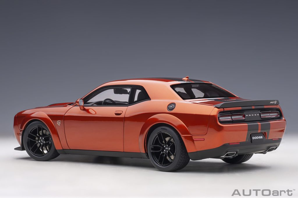 AUTOart 1:18 Dodge Challenger SRT Hellcat Widebody 2018 - Rear