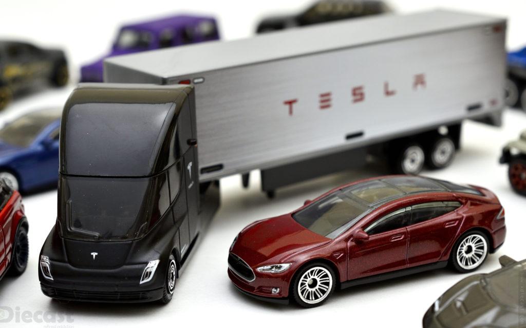 Matchbox: Convoy Tesla Semi