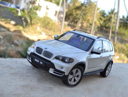 BMW X5 (E70) – Kyosho
