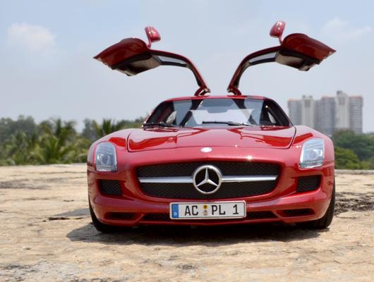 Mercedes-Benz SLS AMG – Minichamps