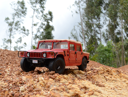 Hummer H1 Softtop – Exoto