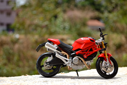 Ducati Monster 696 – Maisto