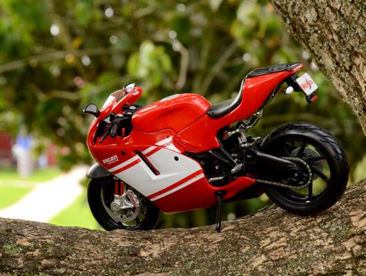Ducati Desmosedici 2008 – Maisto