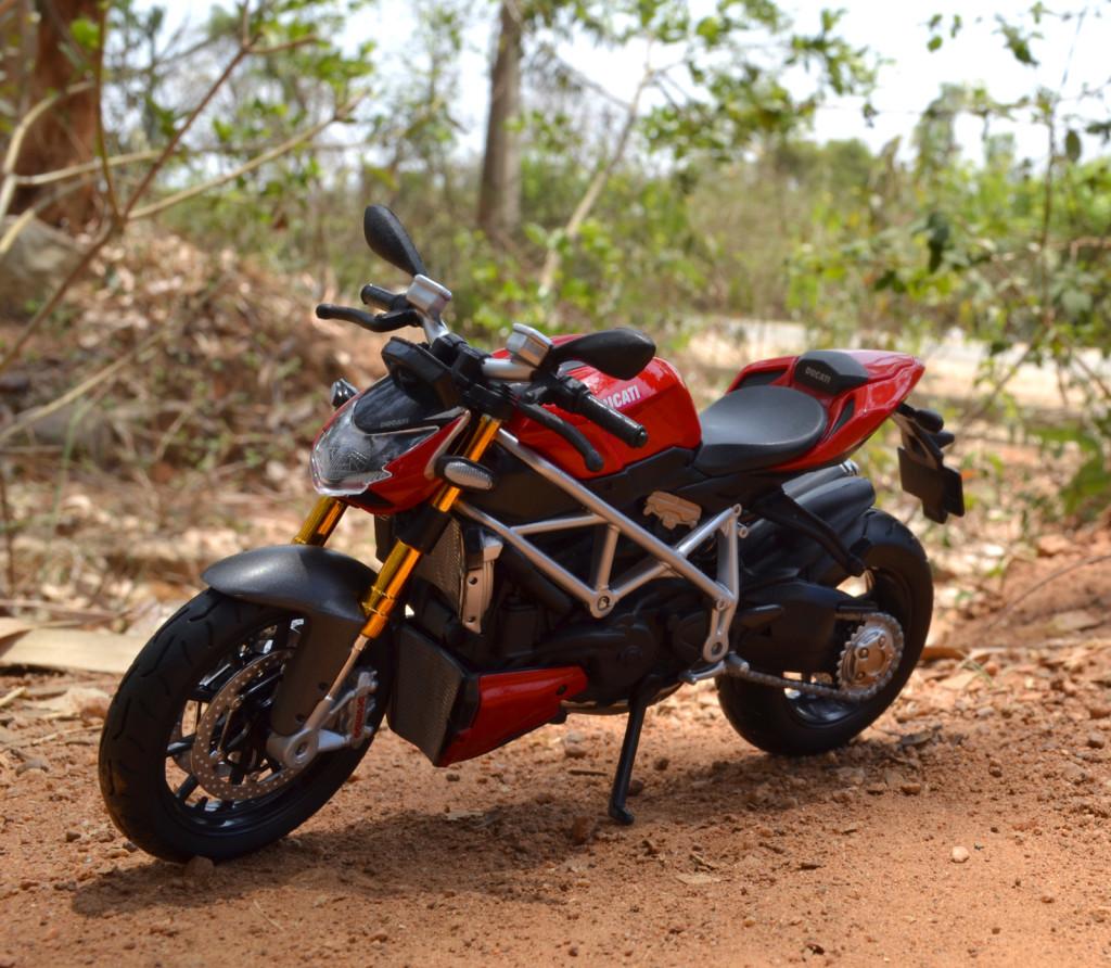 Ducati mod. Streetfighter S – Maisto
