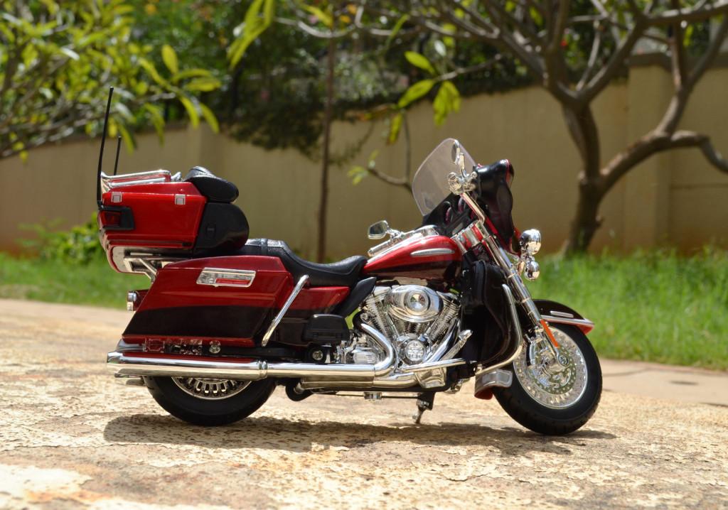 Harley-Davidson 2013 FLHTK Electra Glide Ultra Limited – Maisto