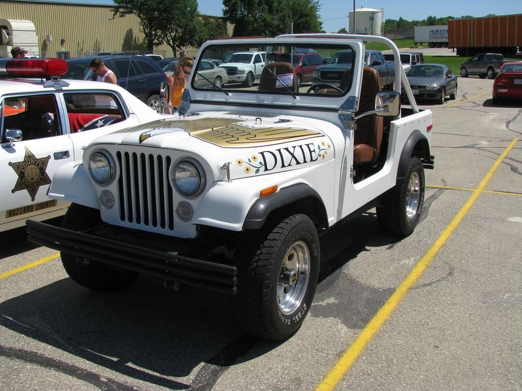 1:18 Scale 1979 Jeep CJ-7 Golden Eagle Dixie by Greenlight Collectibles Launched